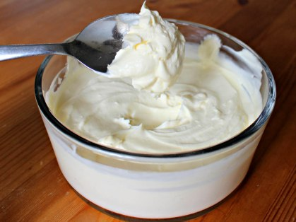 20140714-cream-science-what-happens-when-you-whip-it-claire-lower-ultra-pasteurized-batch